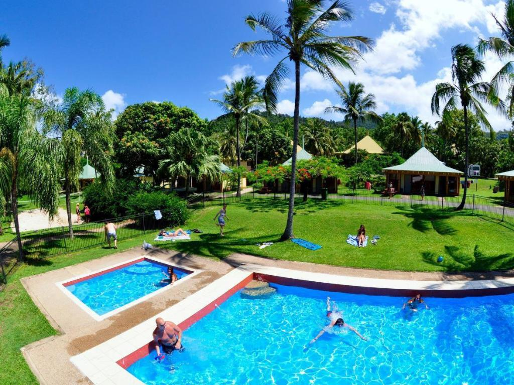More About Nomads Airlie Beach Hotel
