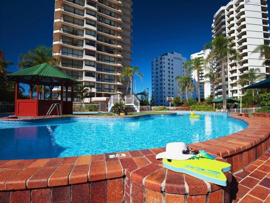 Swimming pool ULTIQA Beach Haven on Broadbeach