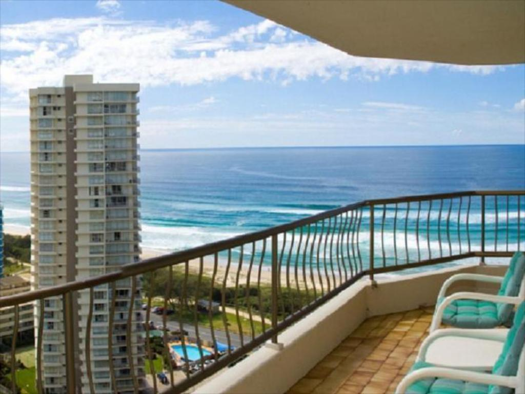 Balcony/terrace ULTIQA Beach Haven on Broadbeach