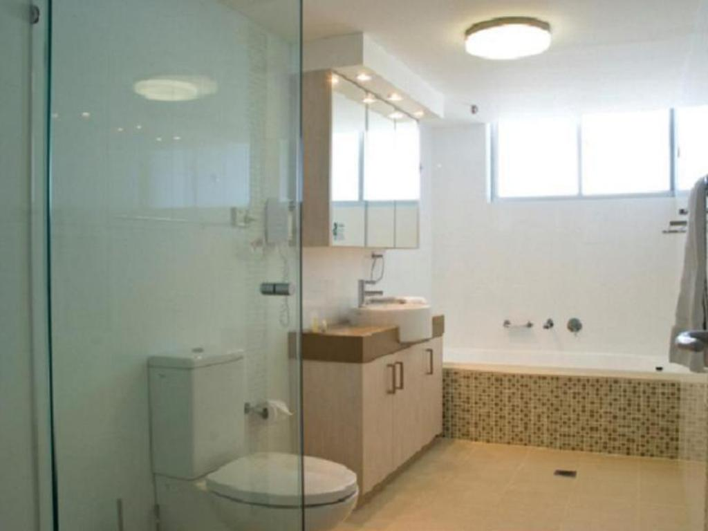 Bathroom ULTIQA Beach Haven on Broadbeach