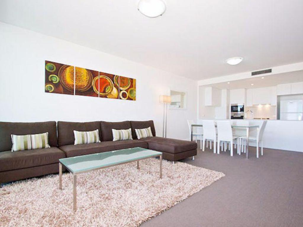 best price on kirra surf apartments in gold coast reviews. Black Bedroom Furniture Sets. Home Design Ideas