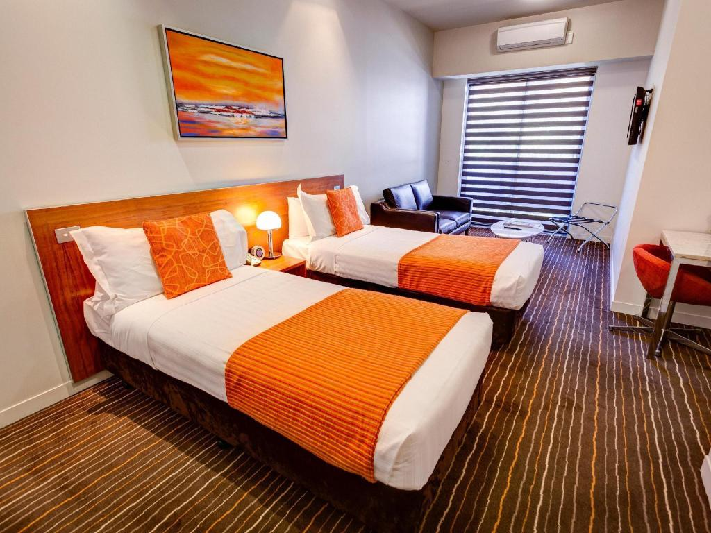 2 Bedroom Family Suite - Bed Mantra Charles Hotel Launceston