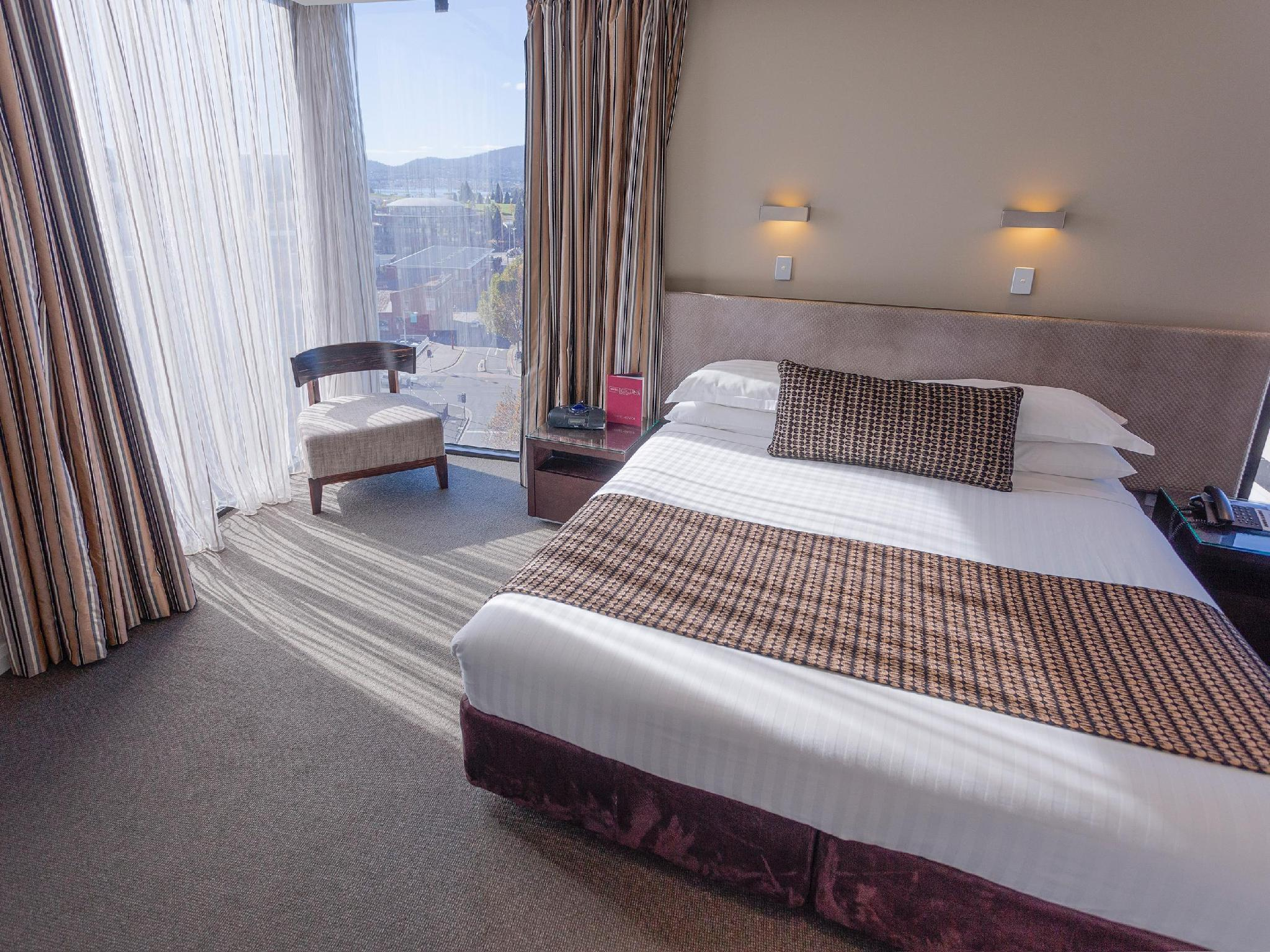 Mantra Collins Hotel in Hobart - Room Deals, Photos & Reviews