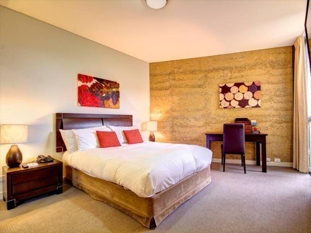 Standard Queen Room - Guestroom Balgownie Estate Vineyard Resort & Spa
