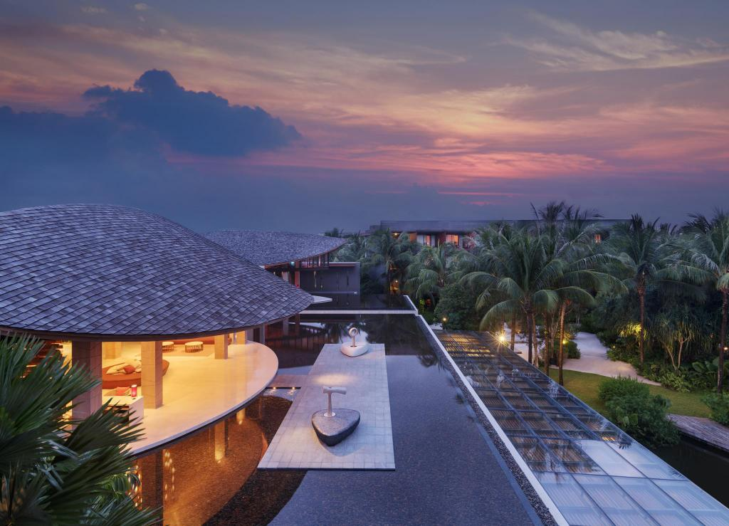 Mere om Renaissance Phuket Resort & Spa A Marriott Luxury & Lifestyle Hotel