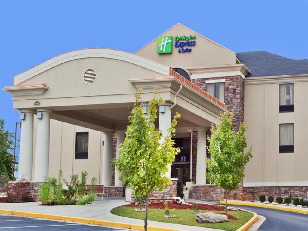 Holiday Inn Express Covington Hotel