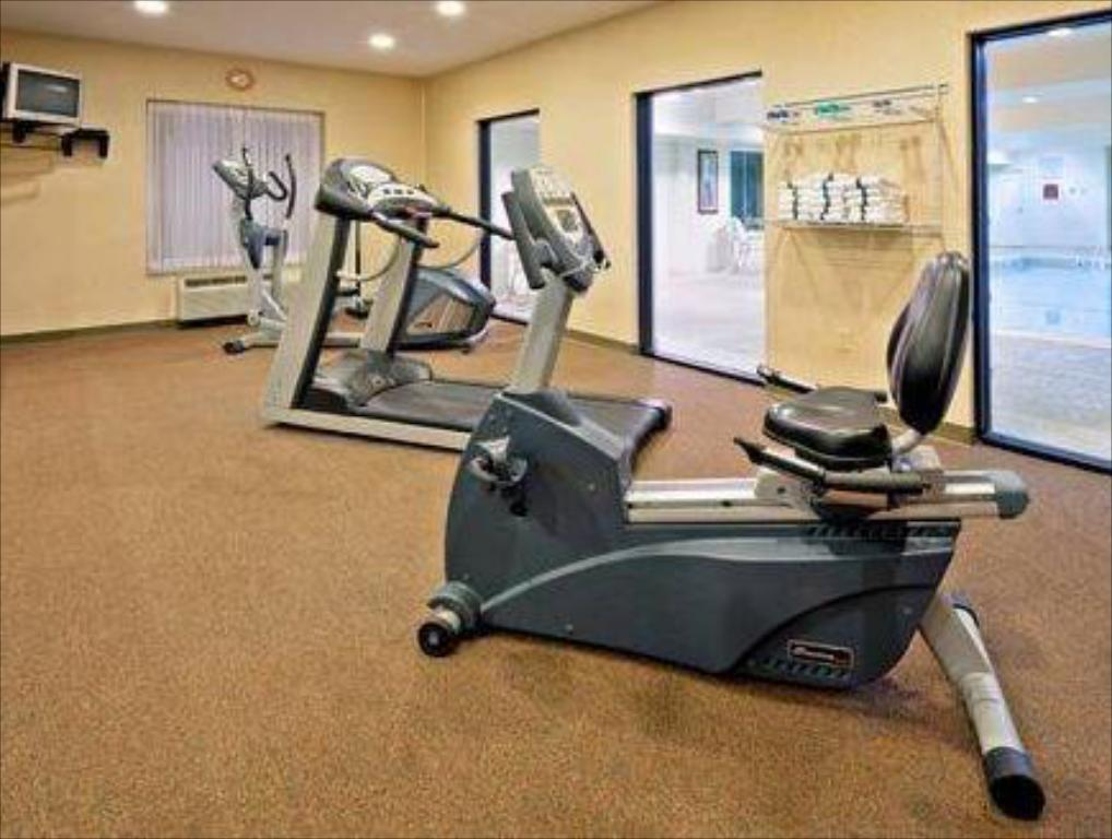 Fitness center Holiday Inn Express Hotel & Suites Clifton Park