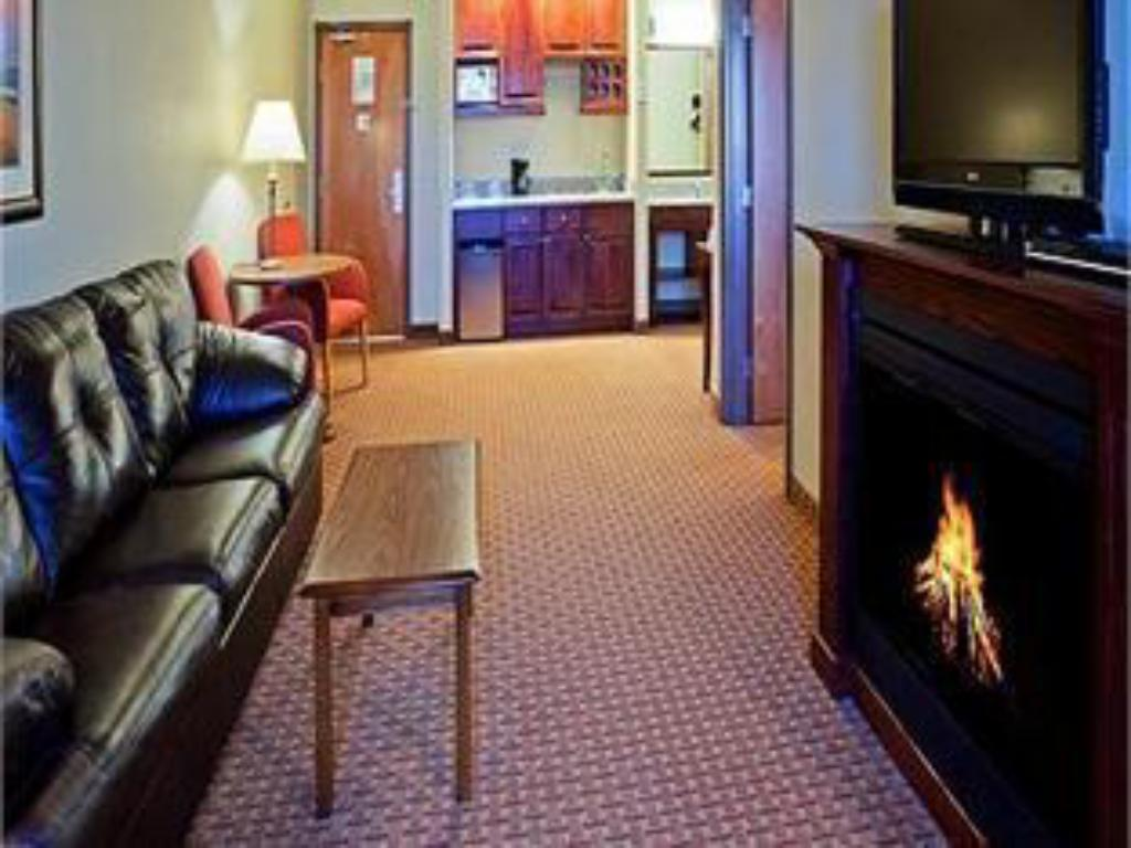 Lobby Holiday Inn Express & Suites Sturgis