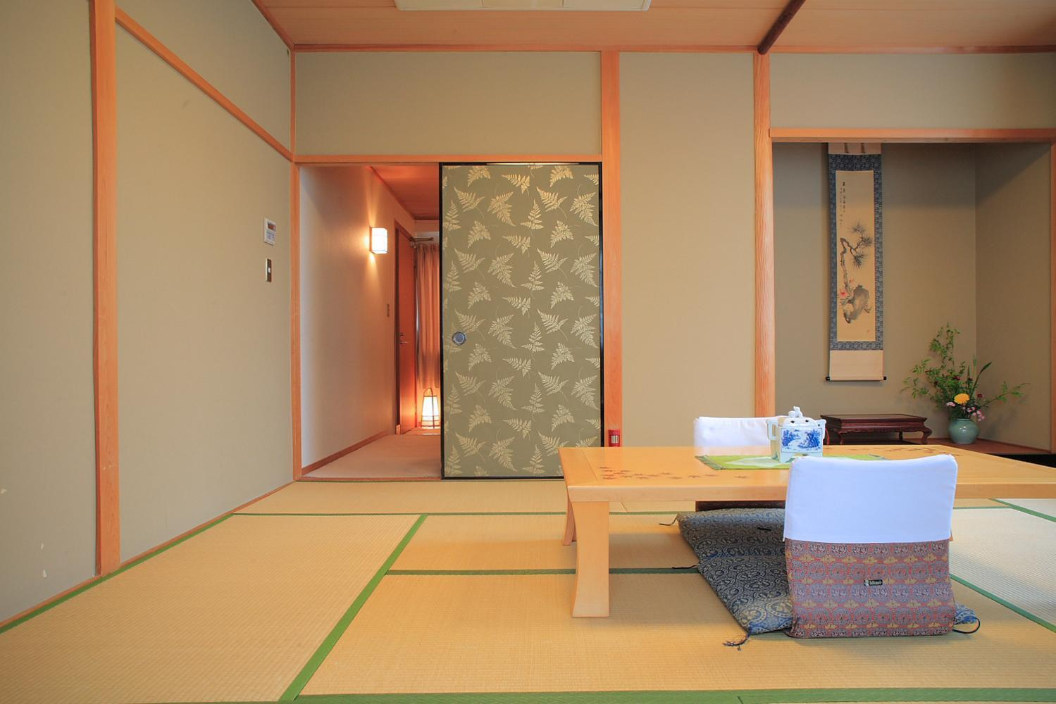 日式家庭客房 (Japanese Family Room)