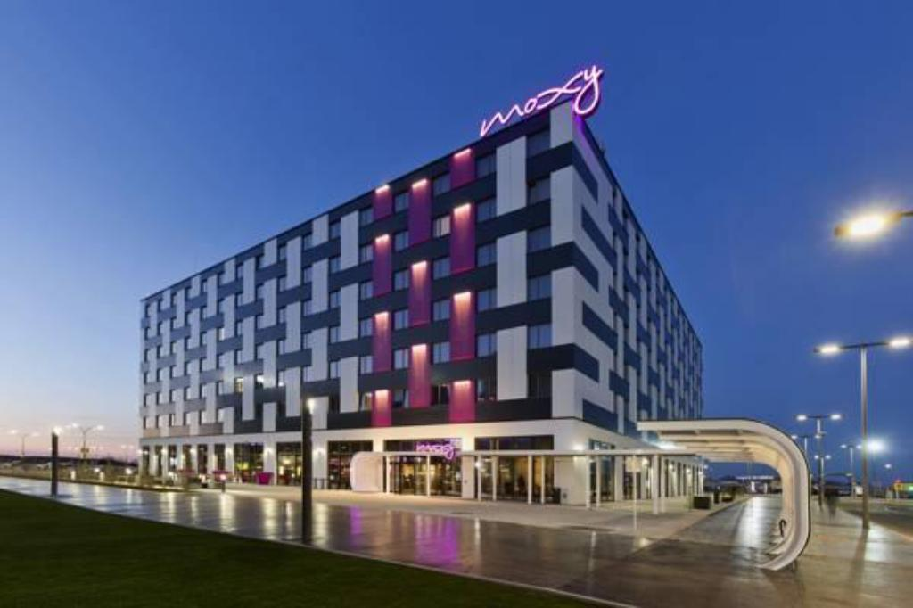 More about Moxy Vienna Airport