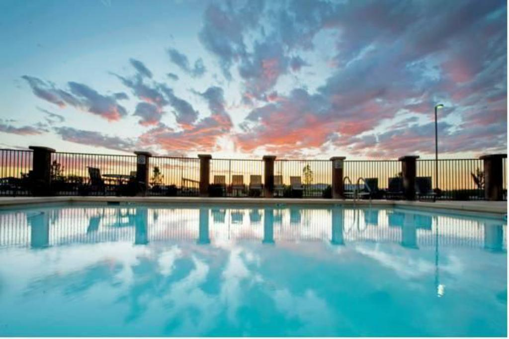 piscina al aire libre Holiday Inn Express & Suites Willcox