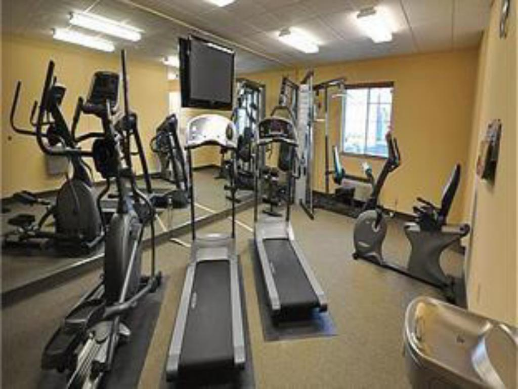 Fitness center Candlewood Suites Richmond Airport Hotel