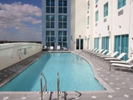 Swimming pool Crowne Plaza Hotel & Resorts Fort Lauderdale Airport/ Cruise