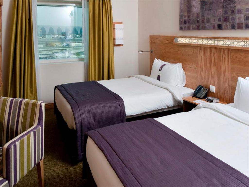 2 Single Beds Smoking - Gulta Holiday Inn Express Dubai Airport