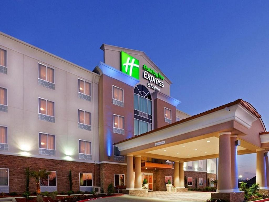 Holiday Inn Express Hotel & Suites Dallas West