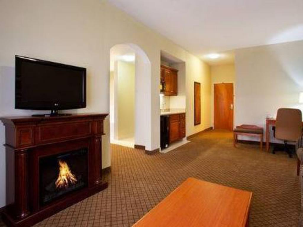 Interior view Holiday Inn Express Hotel & Suites Goshen