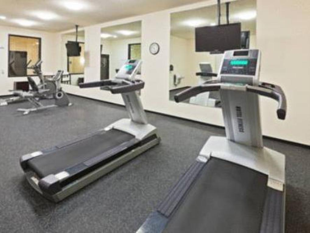 fitnesscenter Holiday Inn Express Hotel & Suites Oklahoma City Northwest