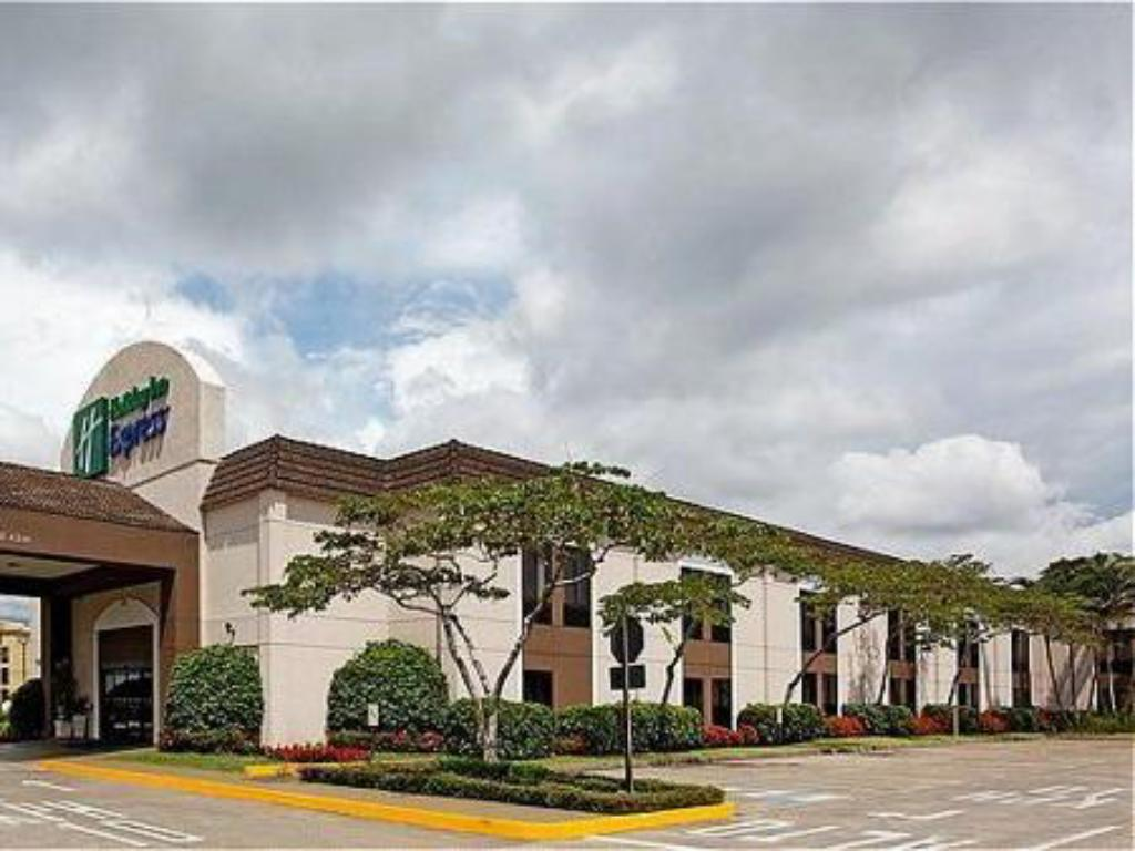 Hotellet från insidan Holiday Inn Express San Jose Costa Rica Airport Hotel