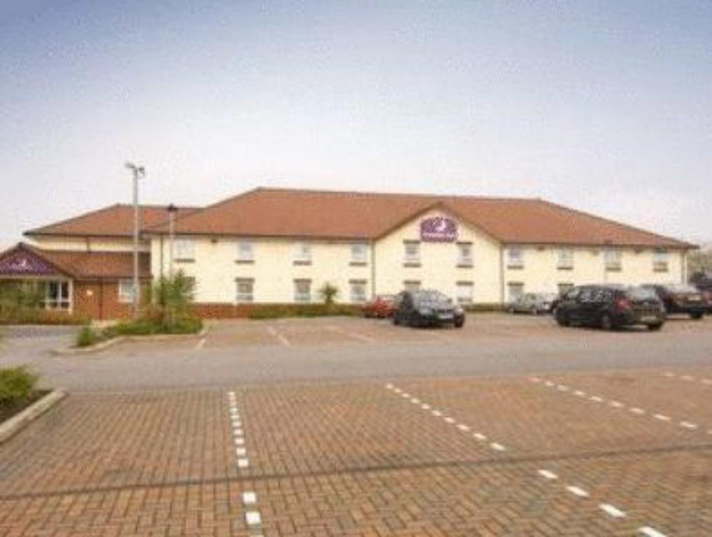 נוף חוץ Premier Inn Oldham Central