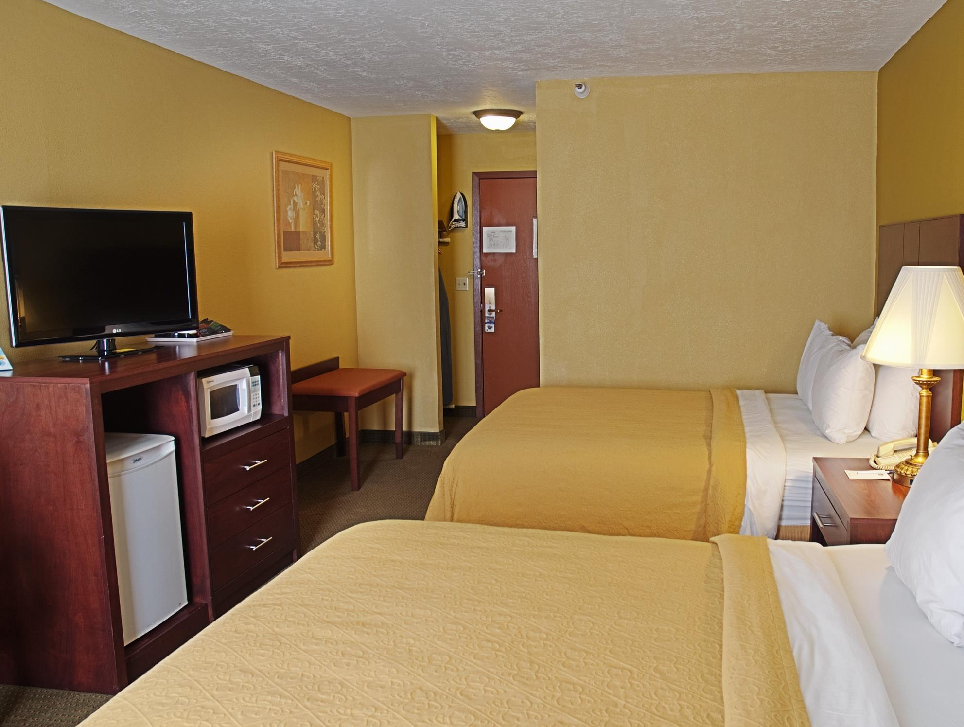 hoteldetail by comforter express ihg phoenix green valley and suites holidayinnexpress hotels inn hotel phxgg az holiday comfort en glendale us