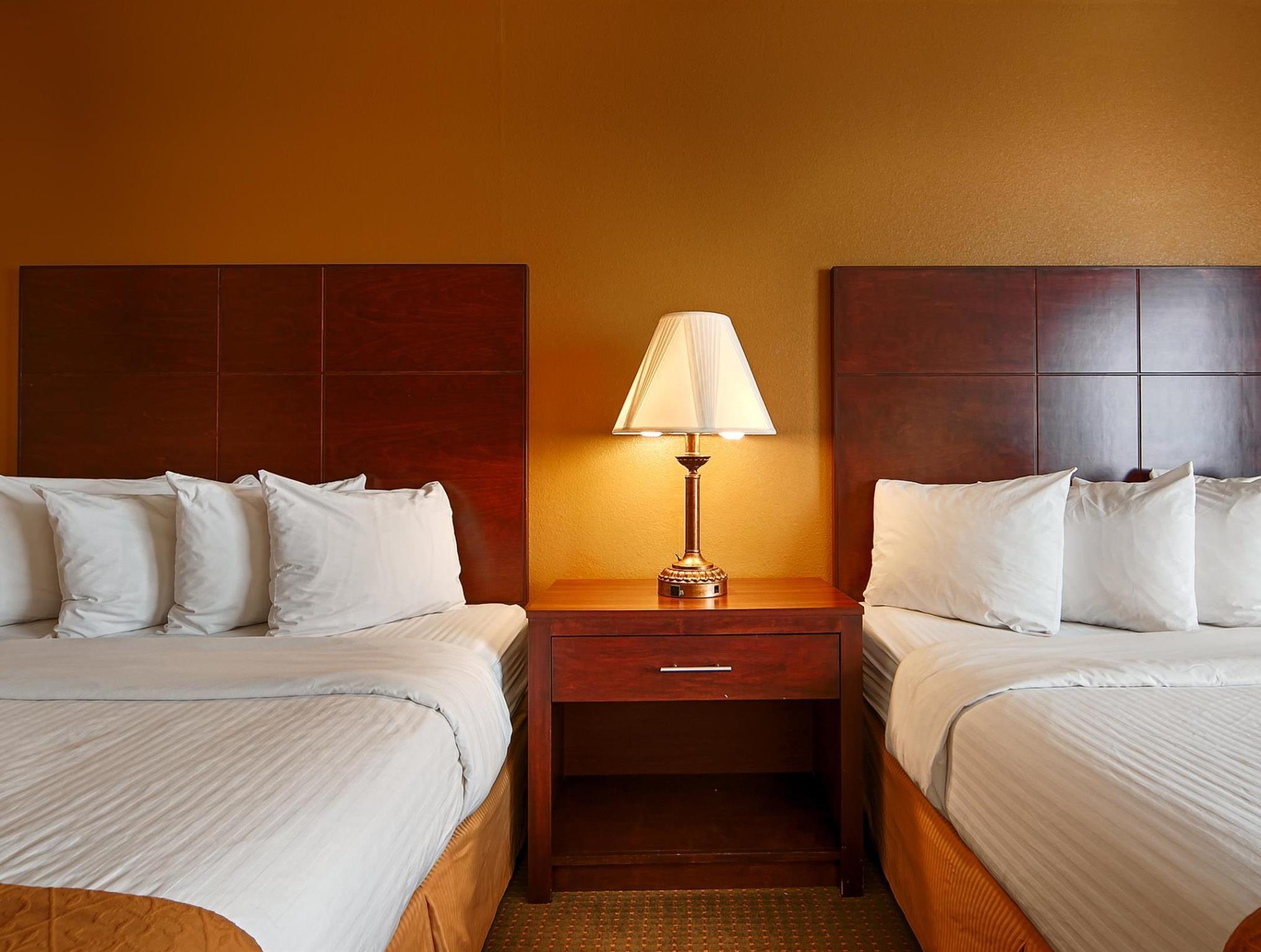 az comfort amp north suites avenue green s valley raleigh comforter inn hotels crabtree carolina glenwood
