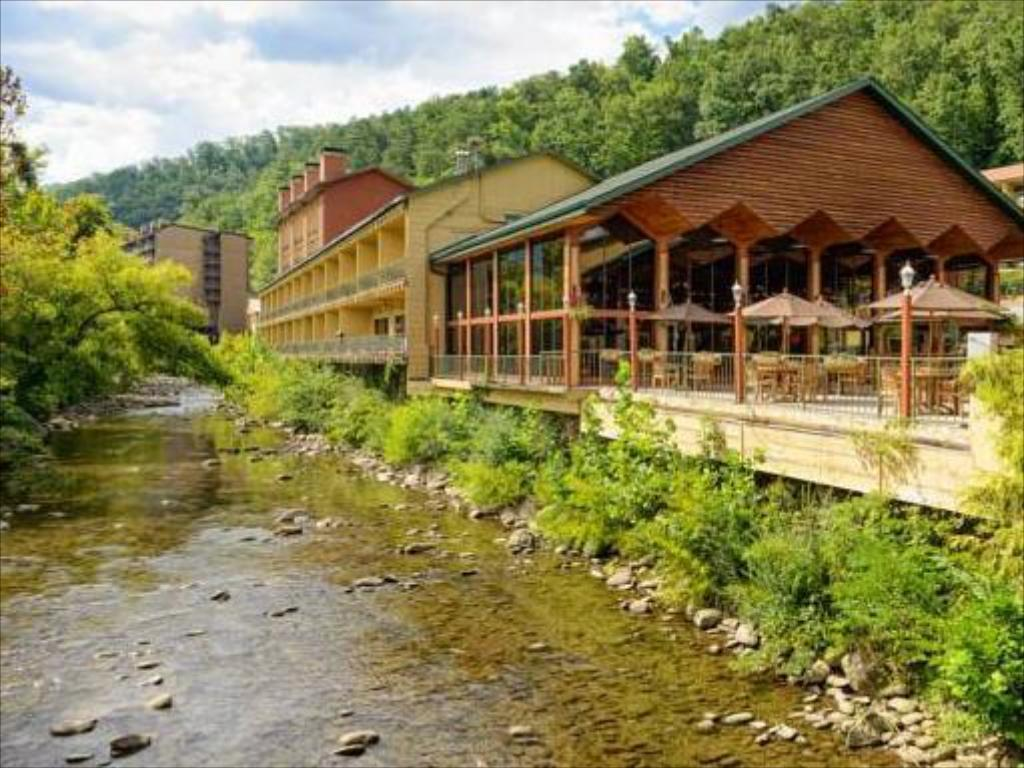 Best Price on River Terrace Resort and