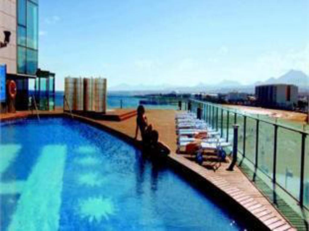 Swimming pool Arrecife Gran Hotel & Spa