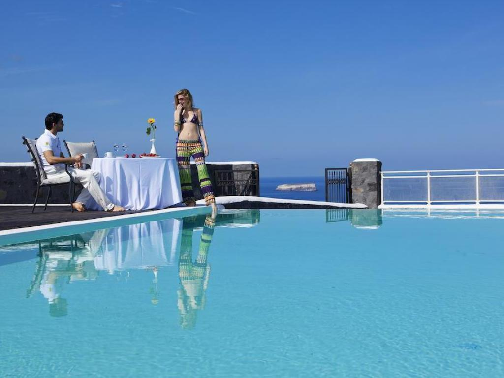 Swimming pool Thermes Luxury Villas