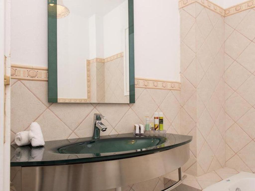 Bathroom Thermes Luxury Villas