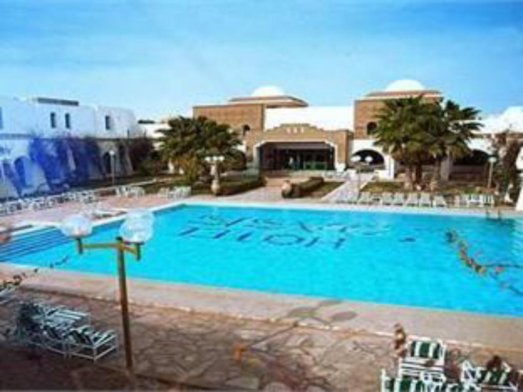 Swimming pool Yadis Oasis Kebili Hotel