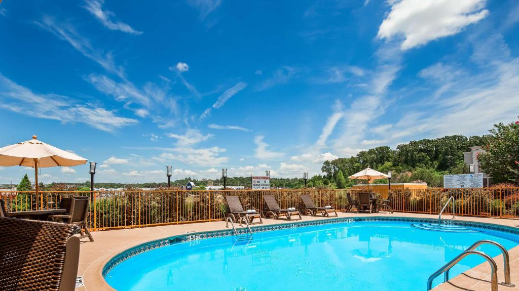 Swimming pool [outdoor] Best Western Van Buren Inn