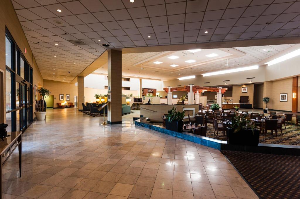 Holiday Inn Philadelphia South Swedesboro Hotel In Beckett Nj Room Deals Photos Reviews