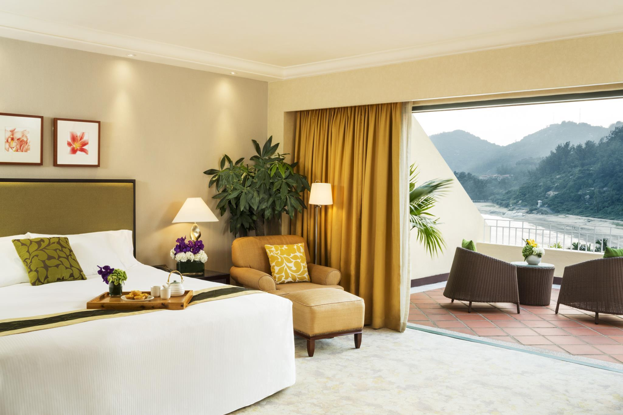 Grand Beach View Room with King Bed
