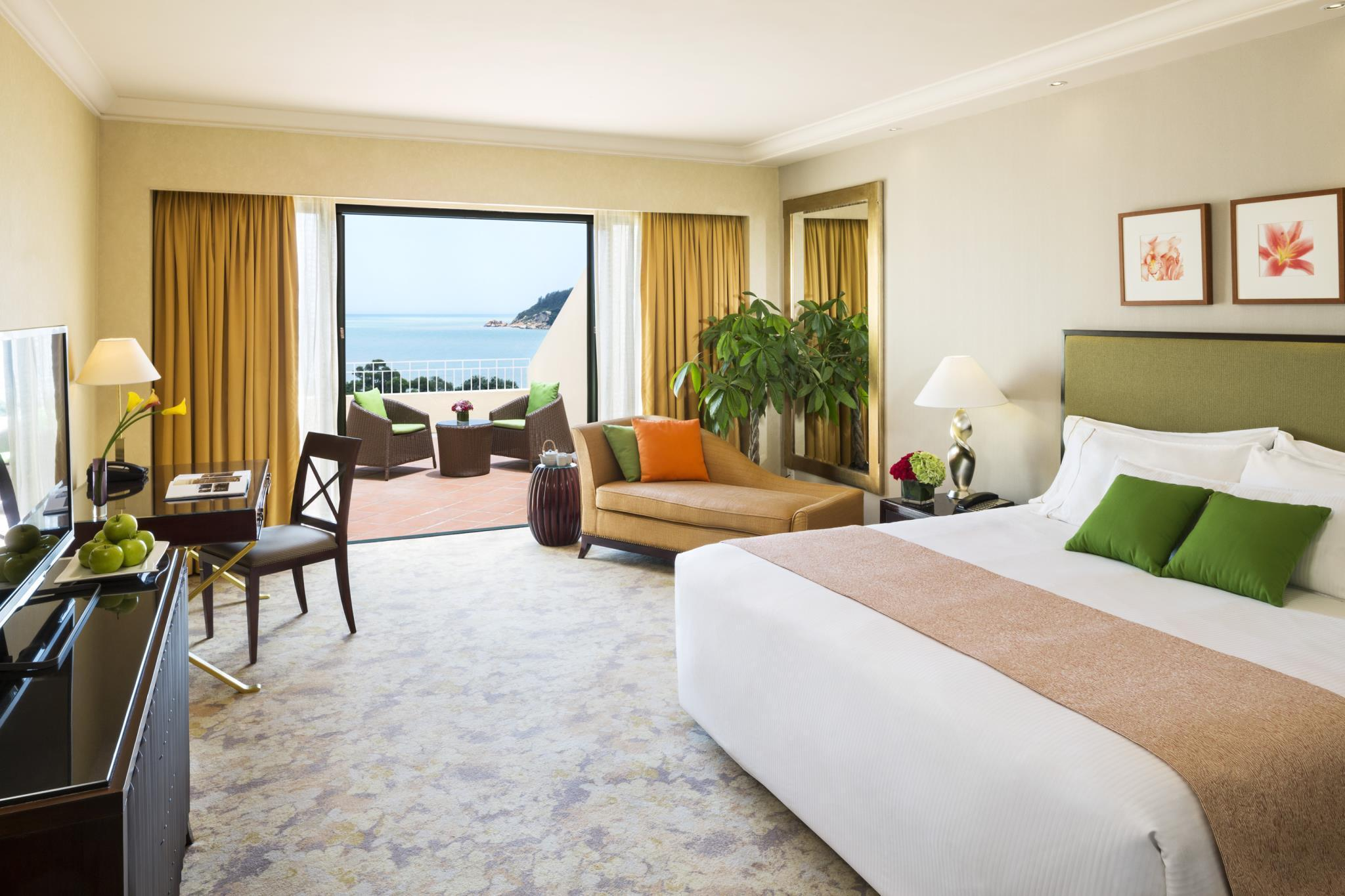 Grand Ocean View Room with King Bed