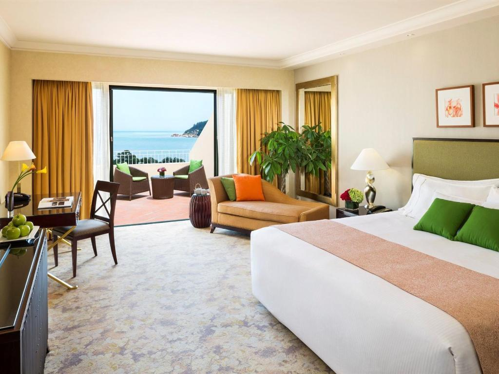 Cameră grand deluxe cu pat king cu vedere la ocean (Grand Deluxe Ocean View Room with King Bed)