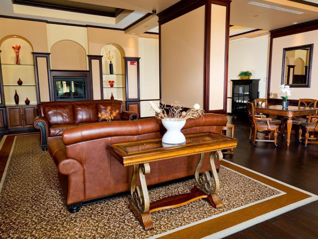 Lake Buena Vista Resort Village and Spa a Stay Sky Resort in Orlando (FL) - Room Deals, Photos