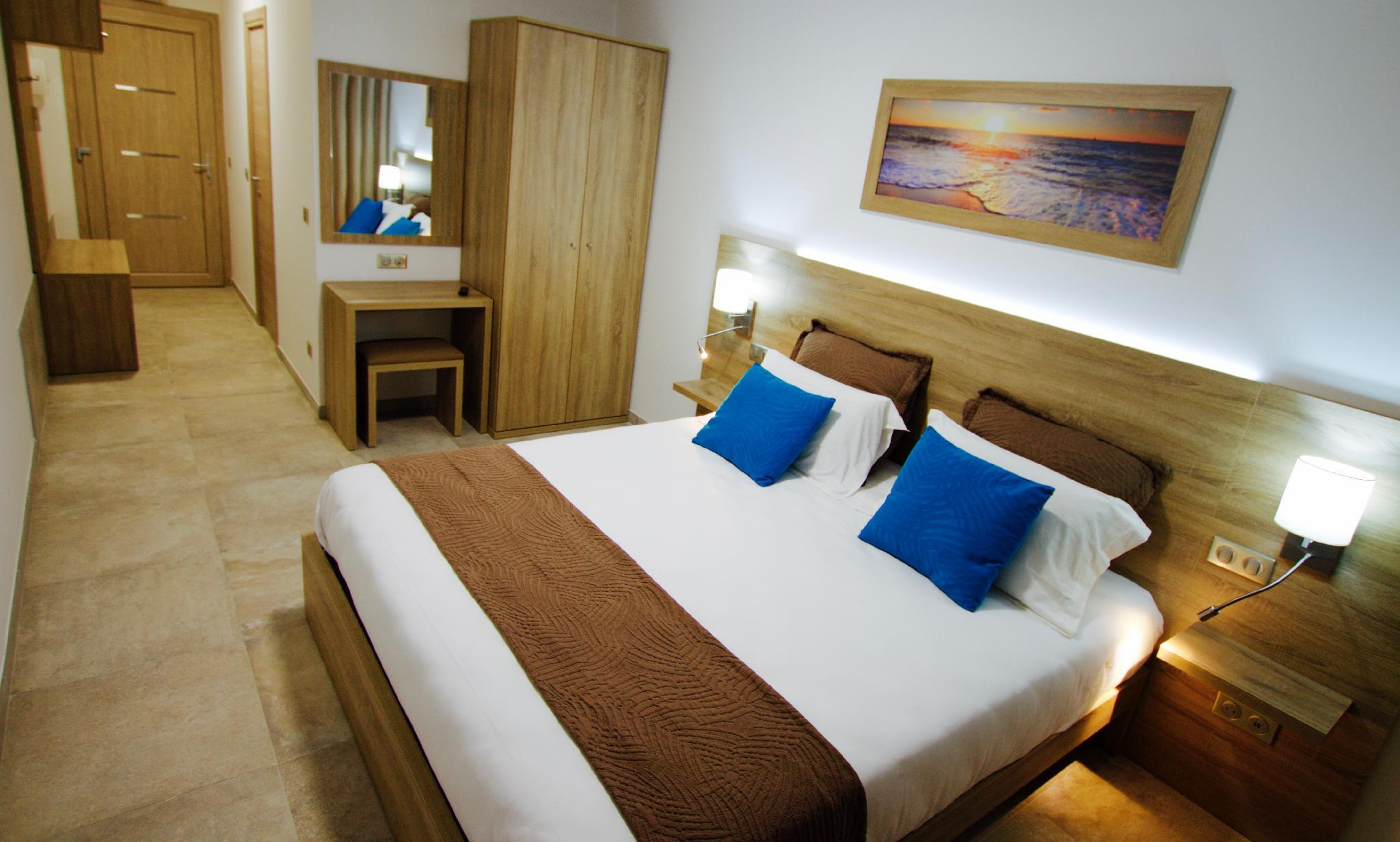 1 Double Bed, Mobilty Accessible Room, Non-Smoking
