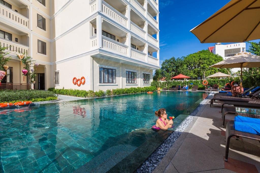 Best price on little hoi an beach boutique hotel spa in for Central boutique inn