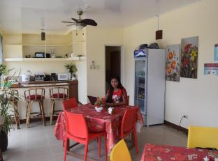 Budget Rooms White Beach