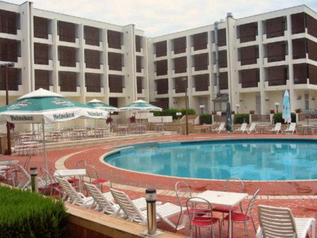 Swimming pool Hotel Kolovare