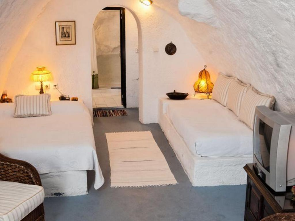 Cozy Cave House Alexander's Boutique Hotel