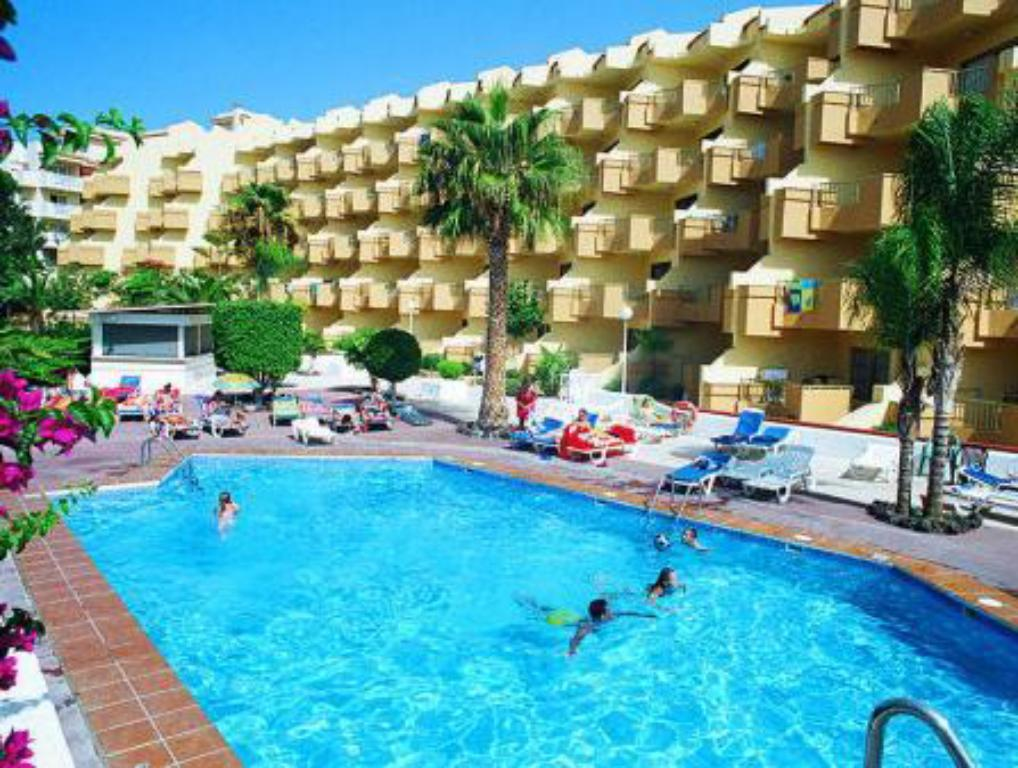 Piscina Playa Olid Suites & Apartments