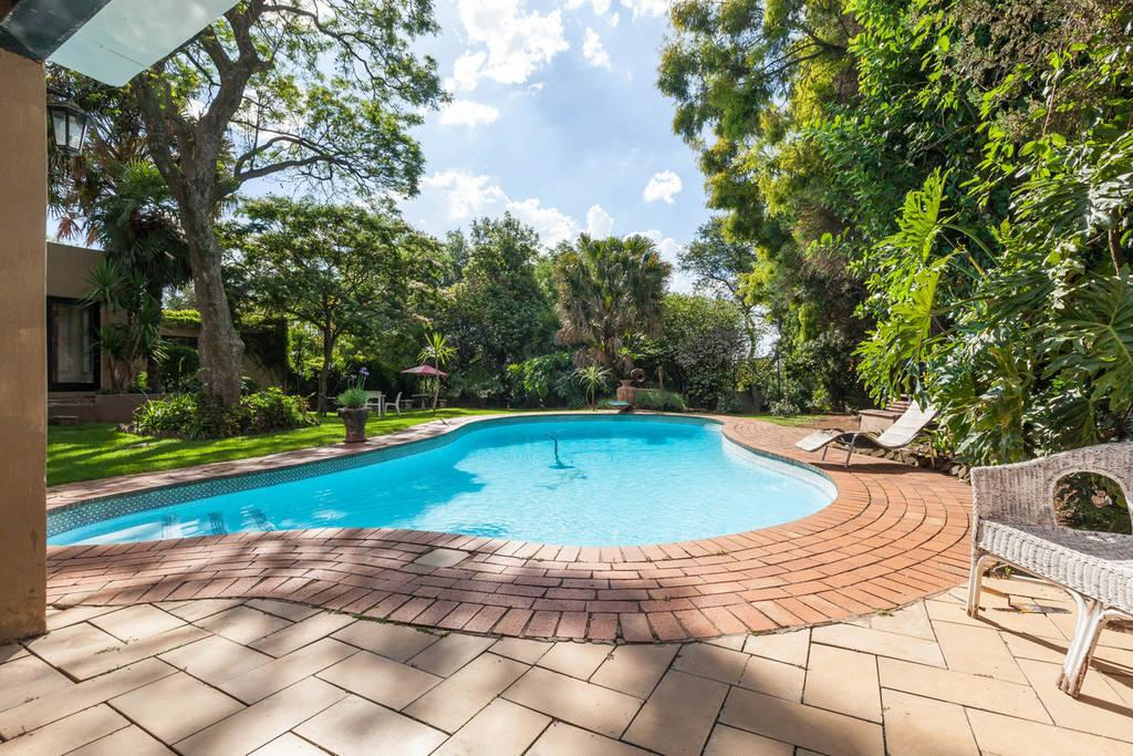 Deals on linden guesthouse in johannesburg promotional room prices Linden public swimming pool johannesburg