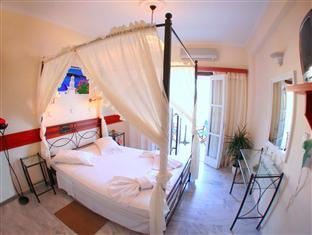 Suită luna de miere (Honeymoon Suite)