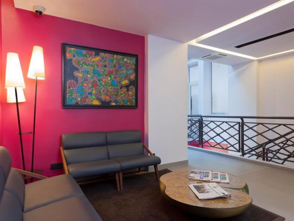 Hotel libertel gare du nord suede in paris room deals for Decor hotel du nord