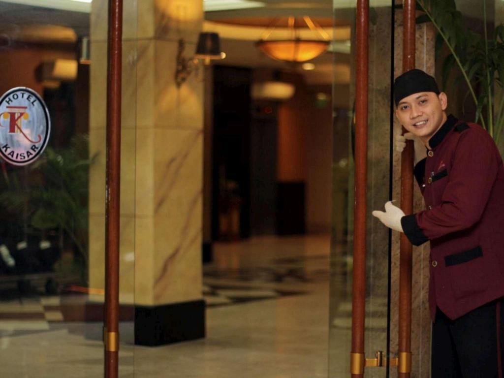 Hotel Kaisar, Mampang, Jakarta mulai dari Rp 351800 | Agoda com