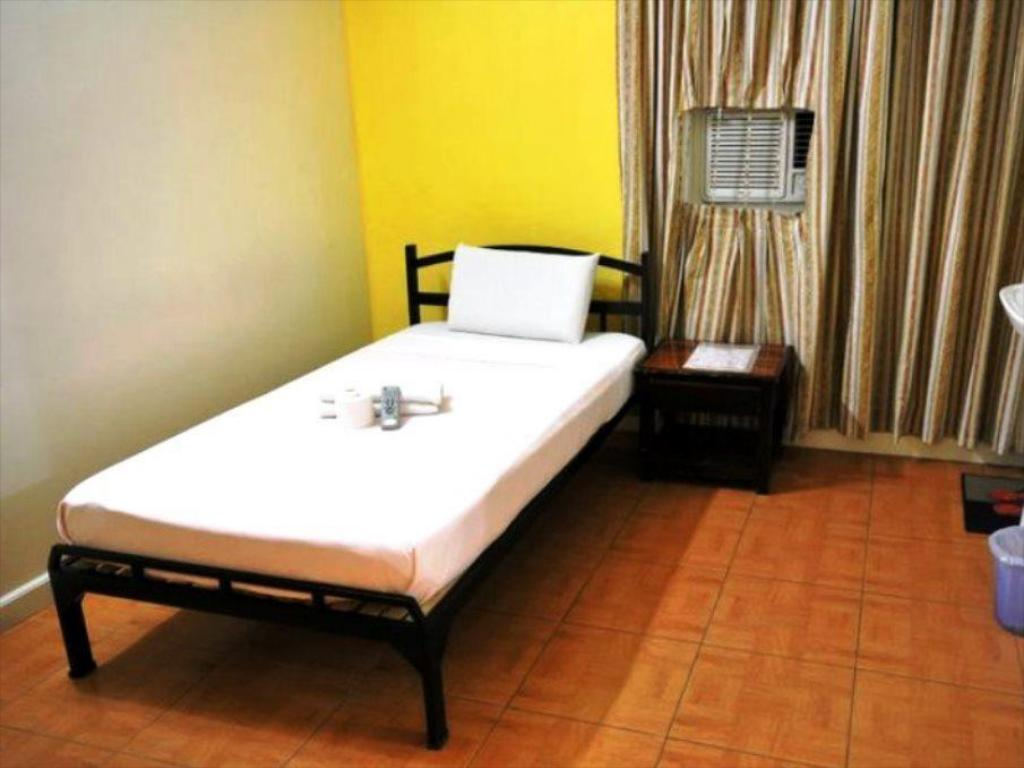 Single Premiere - Guestroom My Hotel Davao