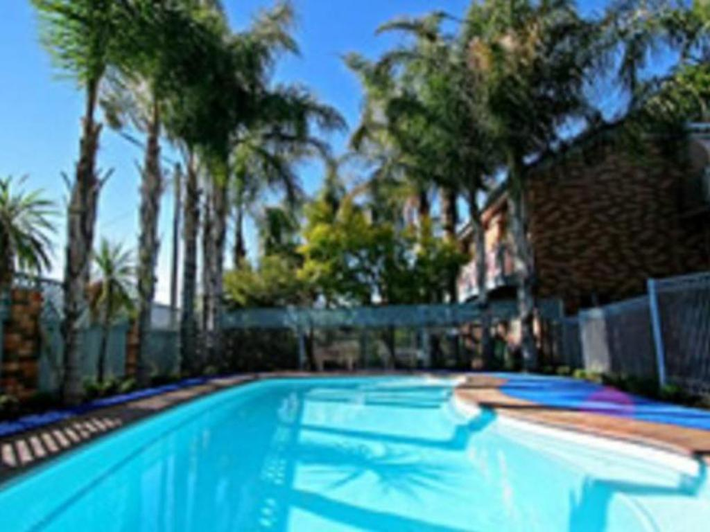 Swimming pool [outdoor] Cattlemans Country Motor Inn & Serviced Apartments