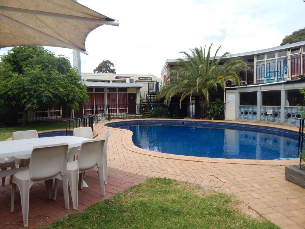 Jacksons Motor Inn In Adelaide Room Deals Photos Reviews