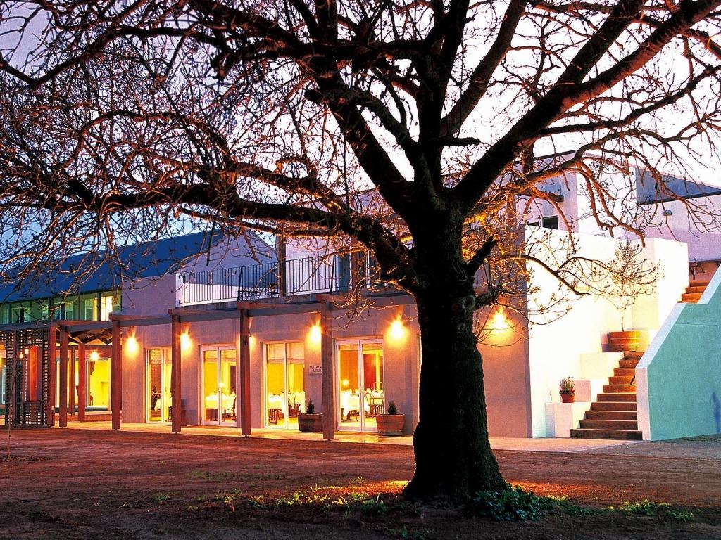 lindenwarrah at milawa in australia room deals photos. Black Bedroom Furniture Sets. Home Design Ideas